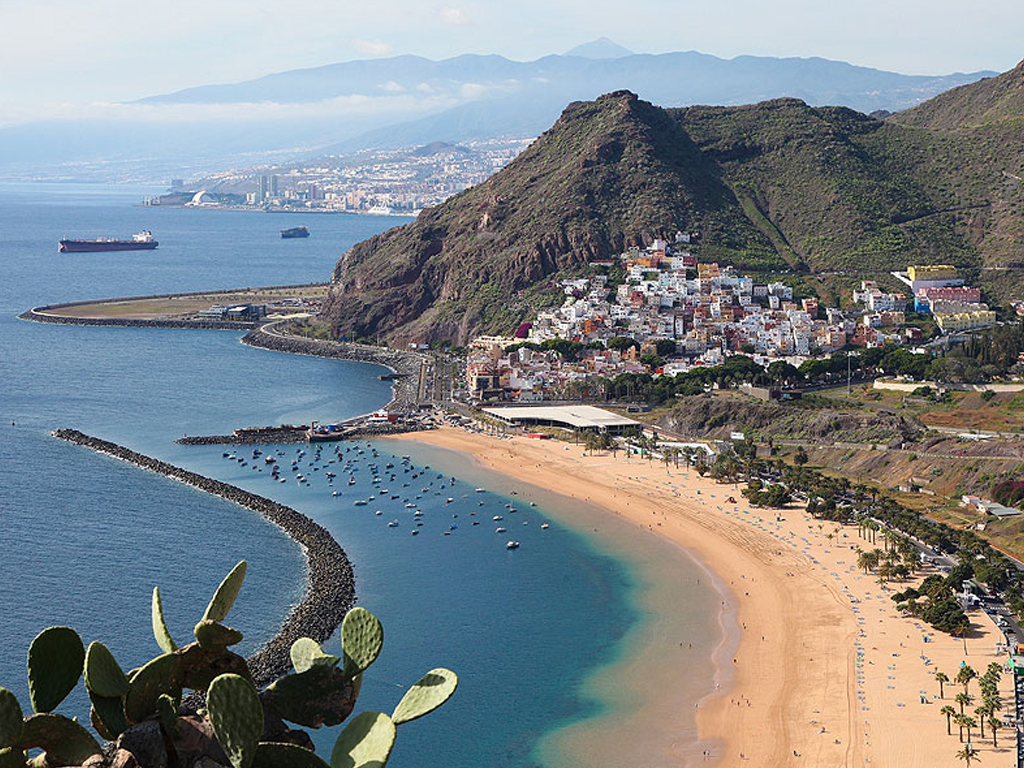 The Canary Islands took 32.5% of tourist spending