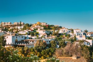Average price of second-hand housing per m² in Andalucia is 1,642€